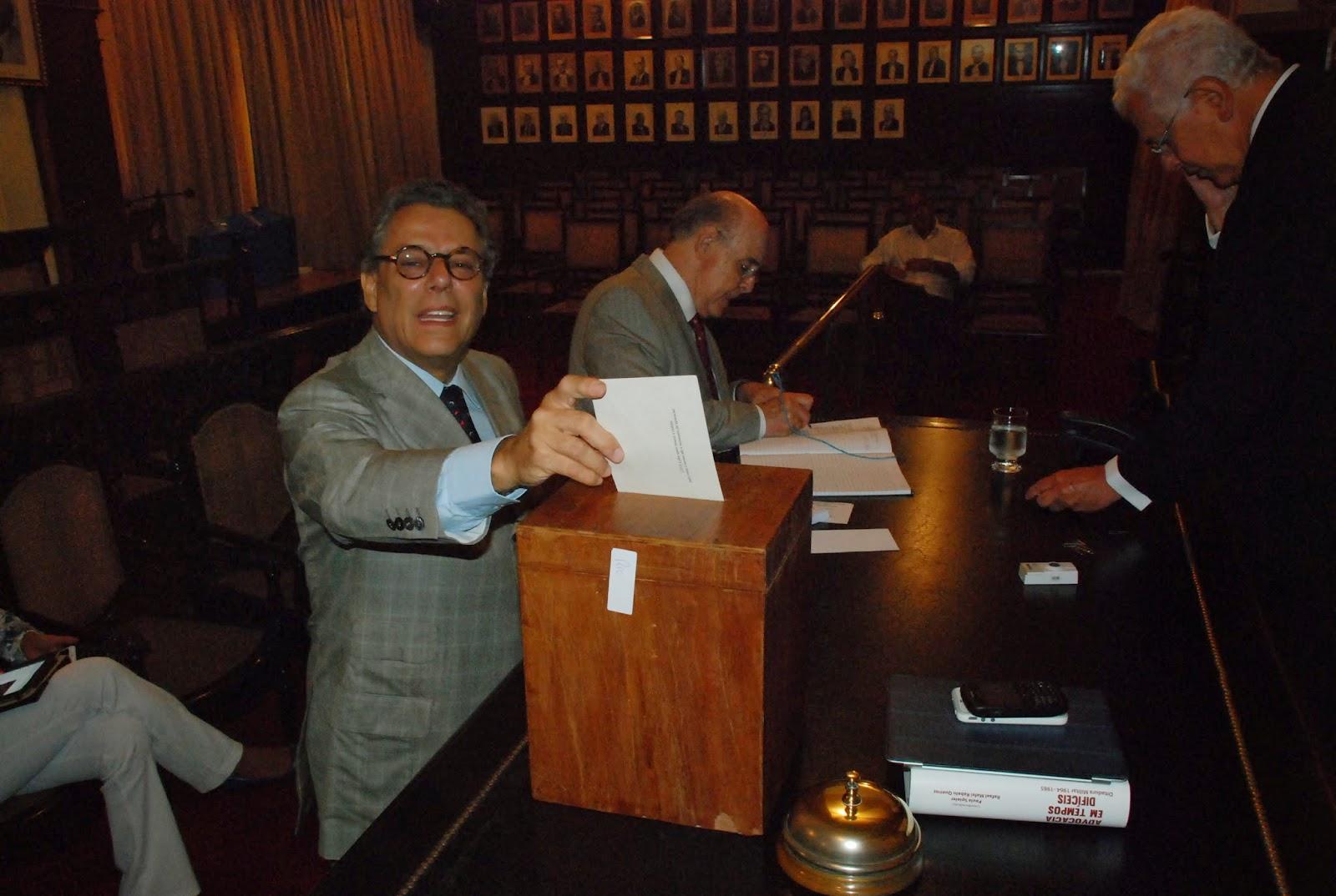 Veja imagens da votação para nova Diretoria do IAB, em eleição que aconteceu na tarde desta quarta, dia 26.