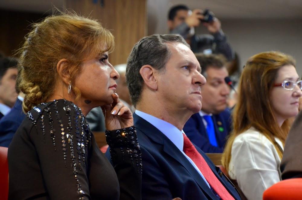 Fotos da posse da nova Diretoria do Instituto dos Advogados Brasileiros mostram a alegria da confraternização