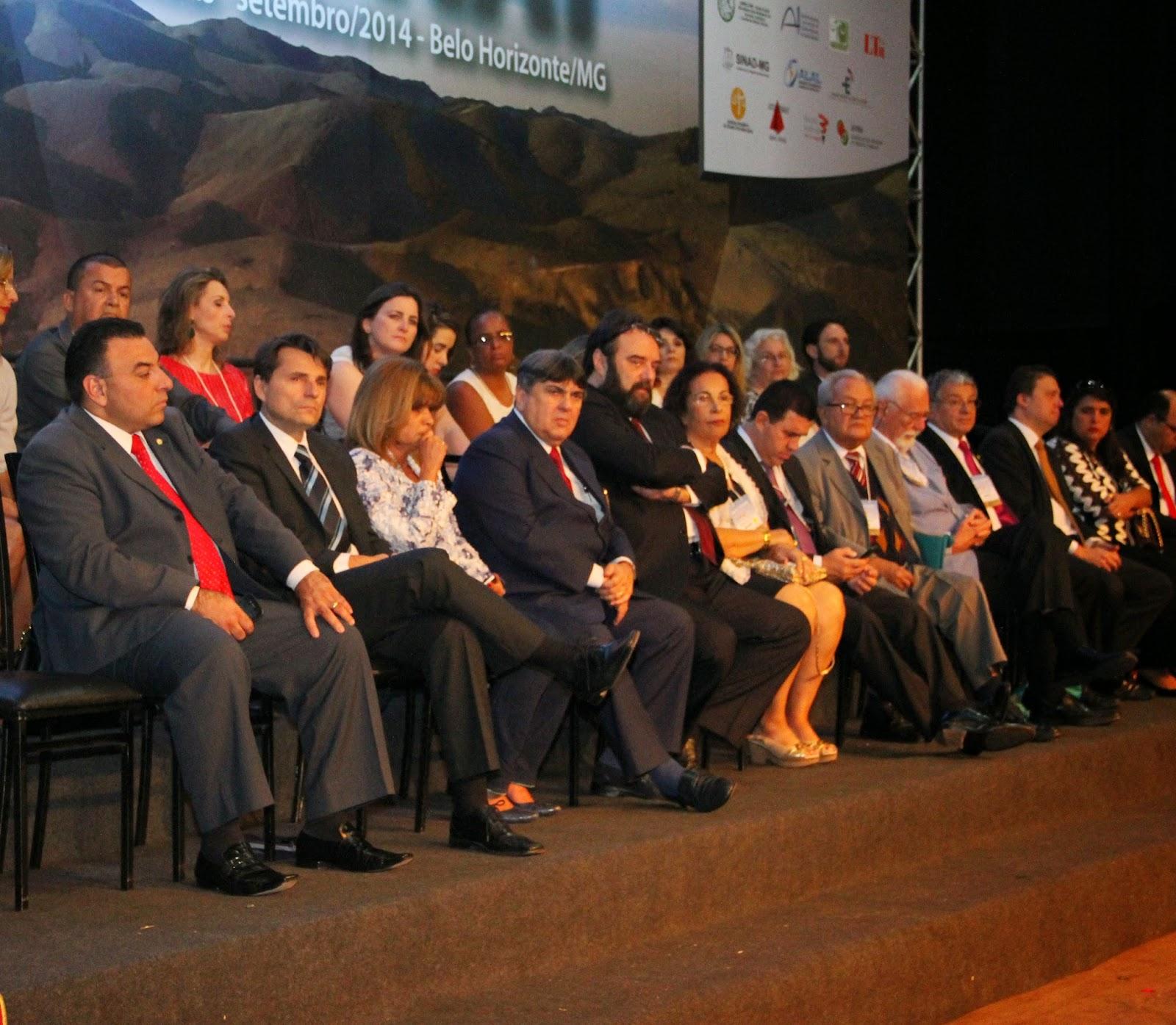 A abertura do XXXVIº CONAT, em BH, contou com a presença de Rita Cortez e advogados trabalhistas de todo o Brasil