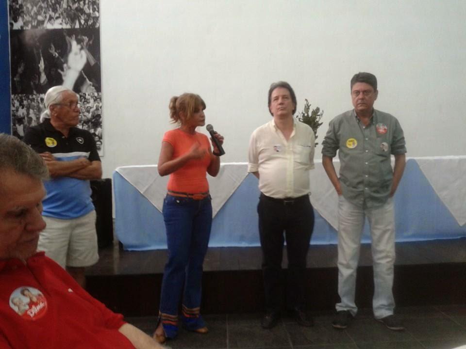 Feijoada de confraternização sindical no SINTTEL-RJ é concorrida e conta com a presença de parlamentares