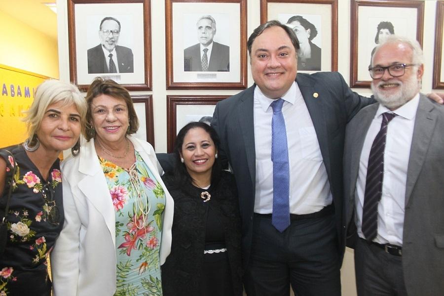 Rita Cortez representa o IAB na posse da nova diretoria da Abami