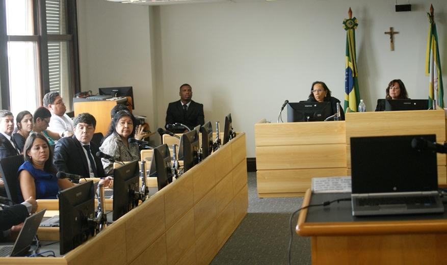 AJS participa no TRT/RJ de negociação entre enfermeiros, Município do Rio e OSs