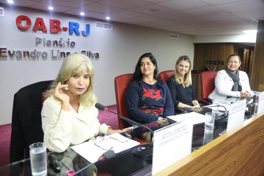 'As mulheres desconhecem os seus direitos', afirma Rita Cortez em palestra na OAB/RJ