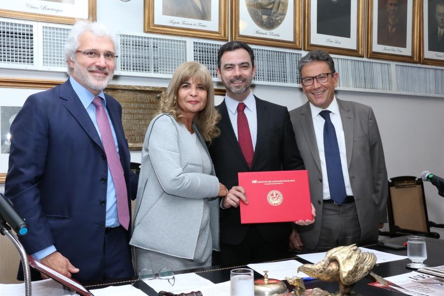 IAB firma parceria com o Instituto Justiça & Cidadania