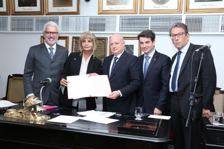 Representando o IAB, Rita Cortez firma parceria com a Aasp, que tem 85 mil membros em todo o País