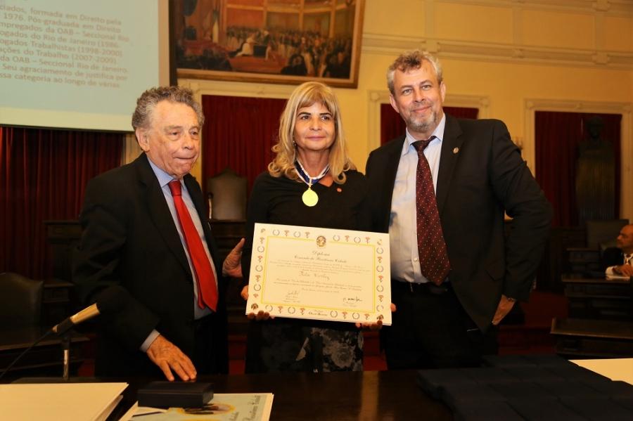 Rita Cortez é homenageada na Faculdade Nacional de Direito