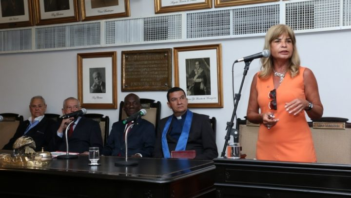 Nova Diretoria da Aassijur toma posse no plenário do IAB com a presença de Rita Cortez