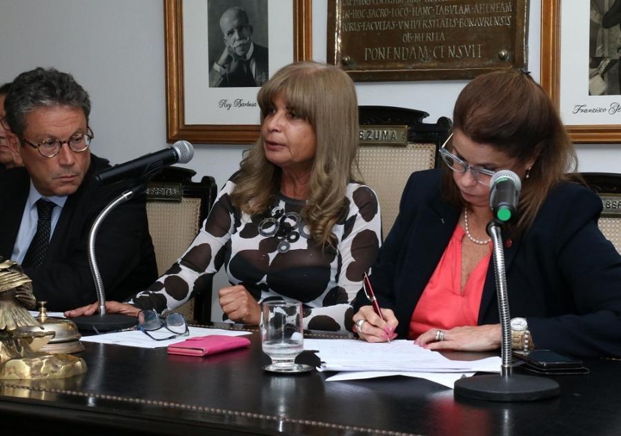 Moção do IAB, assinada por Rita Cortez, repudia comemoração ao golpe que instalou a ditadura militar no País