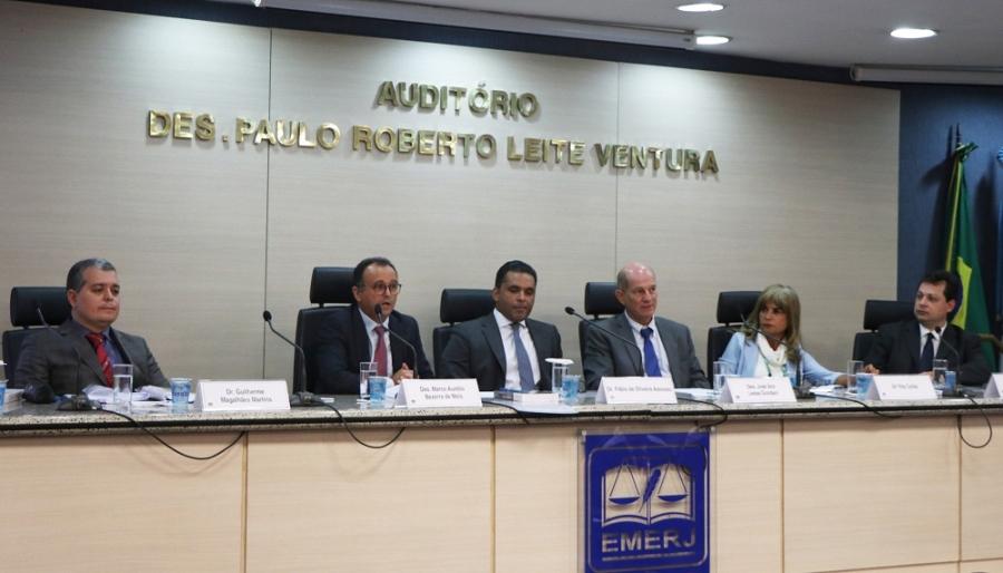 'O CDC protege a parte mais fraca da relação jurídica de consumo', afirma Rita Cortez, na Emerj