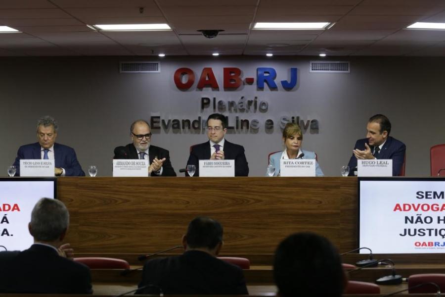 Rita Cortez apoia discussão para evitar retrocesso, em evento sobre trânsito na OAB/RJ