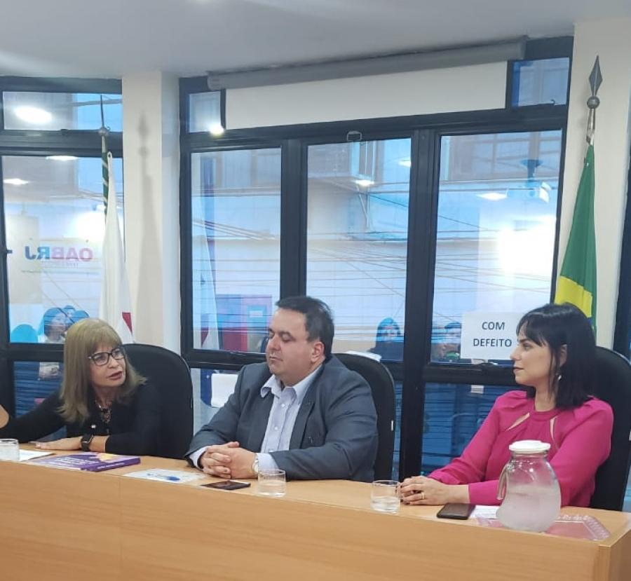 Rita Cortez faz palestras para advogados e estudantes de Direito, em Teresópolis