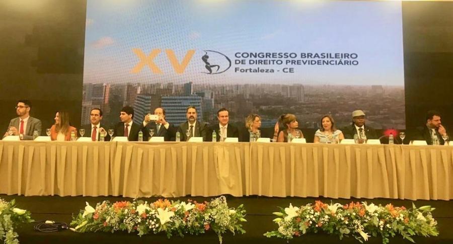 Rita Cortez propõe reflexão sobre as reformas que estão impactando a sociedade brasileira