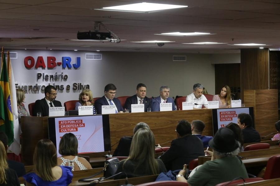 'Esse governo, infelizmente, menospreza o pensamento crítico', afirma Rita Cortez, na OAB/RJ