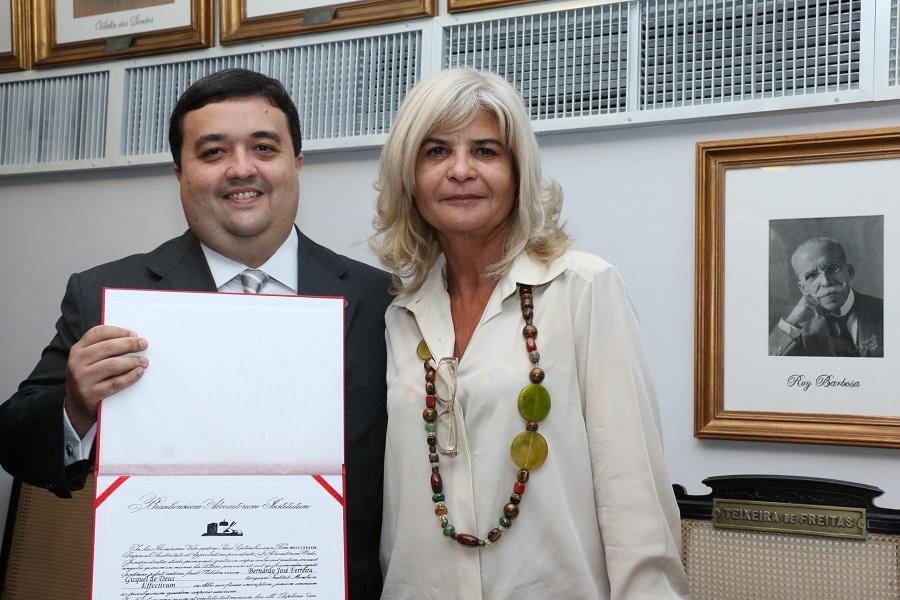 Rita Cortez dá posse a dois novos consócios no IAB